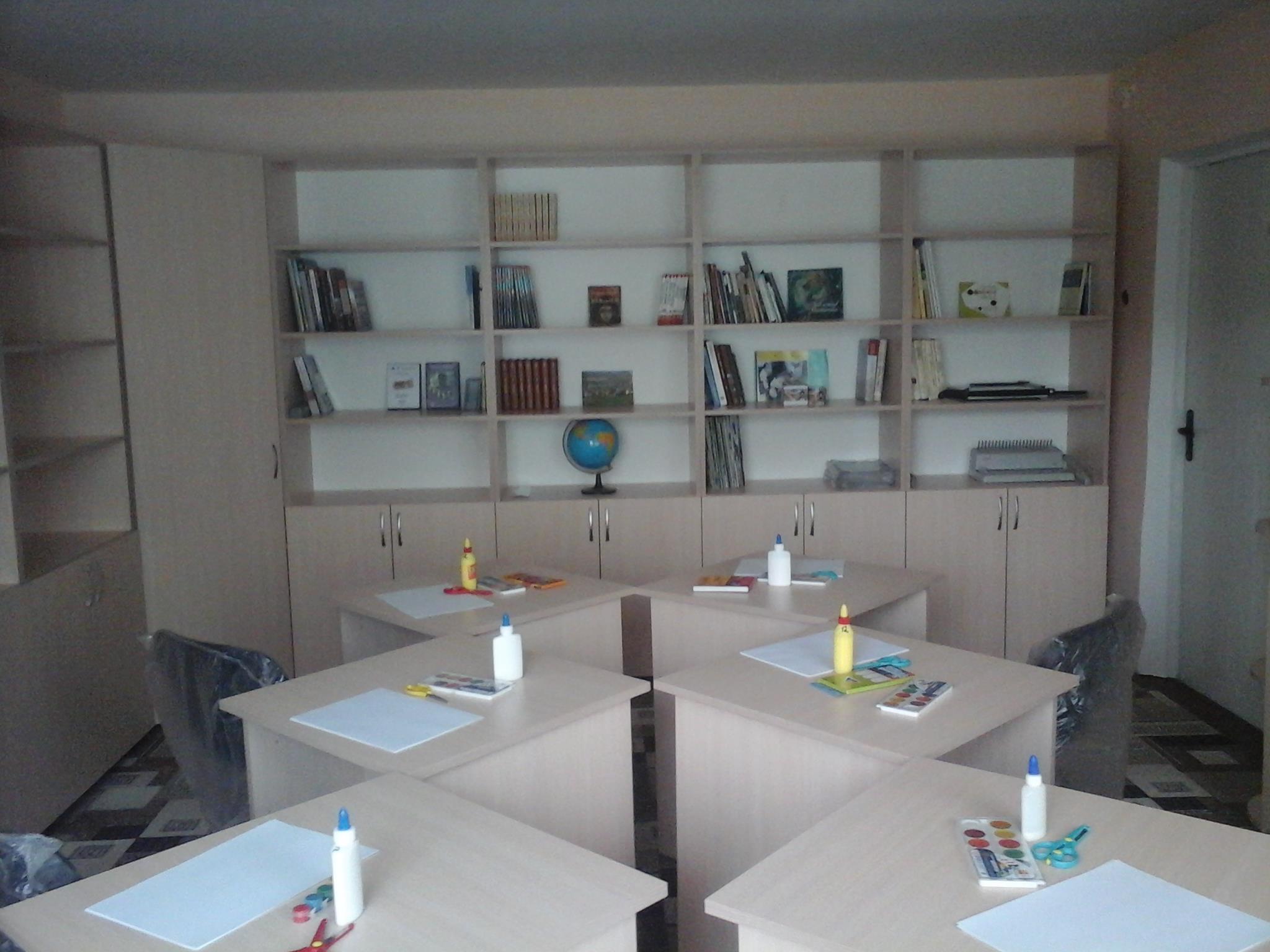 Inaugurarea bibliotecii și atelierului de creație a copiilor din satul Văsieni, finanțate de Uninea Europeană