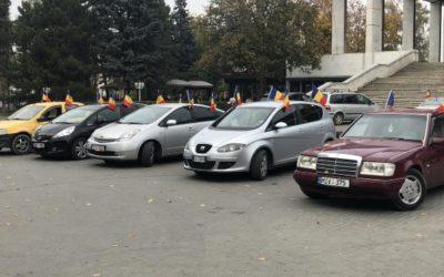 Verde pentru Unire! Un marș automobilistic dedicat Unirii a trecut astăzi prin toate sectoarele Chișinăului