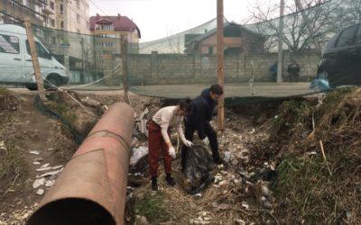 Peste 20 de unioniști au salubrizat astăzi râul Durlești