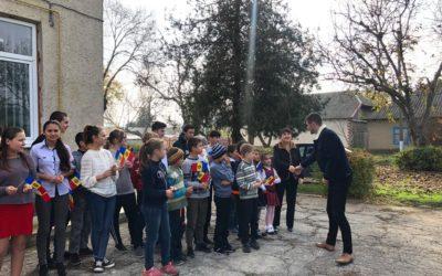 (FOTO/VIDEO) Prima şedinţă a Consiliului Local Aluatu. Localnicii l-au întâmpinat pe liderul UNIREA-ODIP, Vlad Bileţchi, cu tricolor şi aplauze